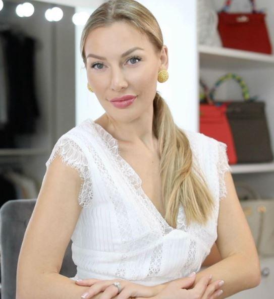 Anna Bey