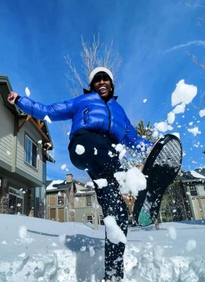 aja evans enjoying snow