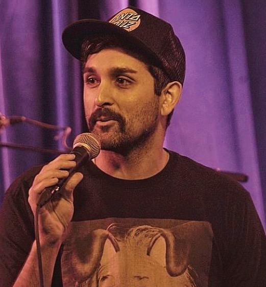 feraz ozel performing in a show